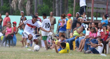Imágenes de la final del Mundialito 2014 que se disputaron los equipos Costales y Tierra Santa. FOTOS: BERNANDINO HERNÁNDEZ.