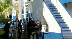 Policías de Acapulco de nueva cuenta armados.