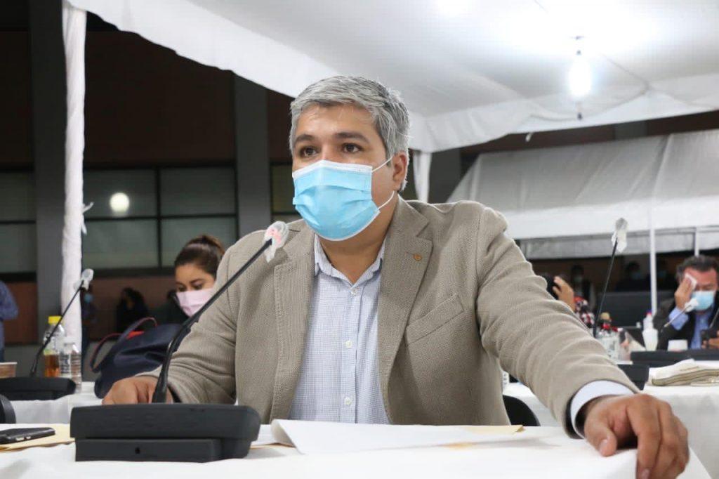 El diputado Alfredo Sánchez al fijar postura sobre la reforma.